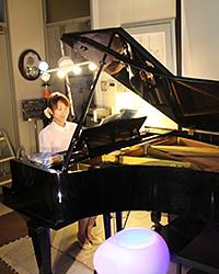 定期的にピアノコンサートを開く予定